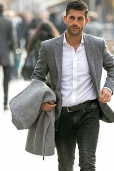 9 Everyday Mens Street Style Looks To Help You Look Sharp Men's Everyday Mens Street Style Looks To Help You Look Sharp. Mens Fashion Blazer, Mens Fashion Blog, Latest Mens Fashion, Fashion Ideas, Men's Fashion, Fashion Rings, Street Fashion, Fashion Styles, Fashion Photo