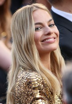 """margotdaily: """" Margot Robbie attends the Annual Academy Awards at Hollywood & Highland Center on February 2016 in Hollywood, California. Cabelo Margot Robbie, Atriz Margot Robbie, Arlequina Margot Robbie, Margot Robbie Pictures, Actress Margot Robbie, Margot Robbie Harley Quinn, Tonya Harding, Tarzan, Actrices Hollywood"""