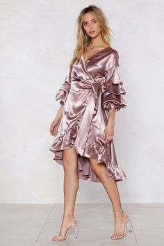 Wearing and Tiering Satin Dress Pink Satin Dress, Satin Gown, Satin Dresses, Silk Satin, Fabulous Dresses, Beautiful Dresses, Girly Outfits, Gym Outfits, Fall Outfits