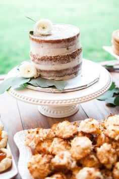 Naked cake | Sarah Renee Studios | see more at http://fabyoubliss.com