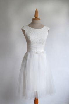 tülszoknyás  ruha , Esküvő, Ruha, divat, cipő, Menyasszonyi ruha, Esküvői ruha, ekrü zsorzsettruha egy plusz tüllszoknyát kapott.  Tetszés s...