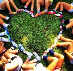 I really want to try this with my team! and have our team logo in the center!!!