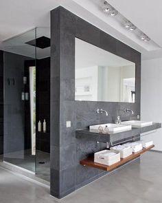 Å tusle inn på dette badet etter en lang & varm dag.. Ganske så digg å stå under strålene til en Axor takdusj #rørkjøp