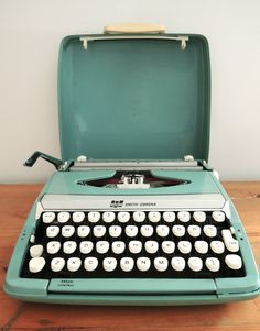 Smith Corona Corsair Deluxe Typewriter in Teal #Etsy #JonathanAdler