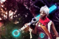 Ekko from League of Legends Cosplay made and modeled by Maki Roll's Chop Shop Props by Squidbot Cosplay Photography by AshB images  Katsucon 2016