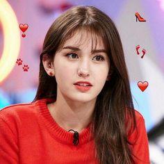 somi: vocalist, face of the group, dancer. Jeon Somi, Stylish Girls Photos, Girl Photos, Korean Beauty, Asian Beauty, Oppa Gangnam Style, Kim Chungha, Cute Faces, Ulzzang Girl