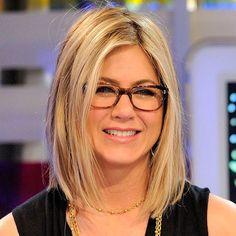 deb1e656cc4b7b 182 meilleures images du tableau star avec des lunettes   Girls with  glasses, Eye Glasses et Glasses frames