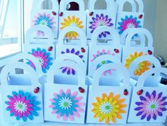 16 Felt flower party favour boxes with ladybugs by SparkleandComfort, $20.00