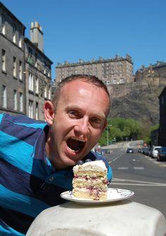 Random Geordie with blueberry and white chocolate cake, Edinburgh Castle