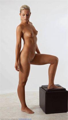 Nude figure drawing pose reference turn-around (animated gif)…