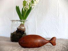Vintage Figuren - ☼ Vintage Fisch-Skulptur Wal TEAK 60er - ein Designerstück von das-fleissige-Faultierchen bei DaWanda