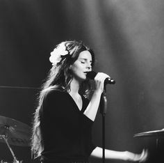 Lana Del Rey dazzles fans with her 'Lust For Life' in an intimate show at the House of Blues in Anaheim