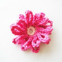 """Daisy Chan"" flower - so easy to create with the use of chains! A great beginner project! <3"