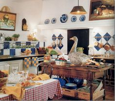 French country kitchen by Shabby Chic Mania