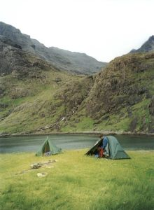 Scotland has a long and proud tradition of wild camping. It is one of the great pleasures of exploring the countryside, discovering your very own perfect pitch amid the mountains and glens, or on t… Solo Camping, Lake Camping, Camping Glamping, Camping And Hiking, Camping Hacks, Outdoor Camping, Backpacking, Camping Scotland, Scotland Travel