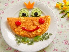 """Recipe omelette """"frog"""" - It is often not so easy to satisfy the little eaters at the table Omelette, Grape Seed Extract, Nutrition Plans, Fruits And Vegetables, Ketogenic Diet, Easy, Herbalism, Breakfast, Food"""