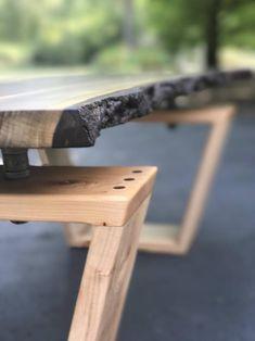 Live Edge Furniture, Rustic Furniture, Cool Furniture, Outdoor Furniture, Outdoor Decor, Live Edge Tisch, Live Edge Table, Table Cafe, Slab Table