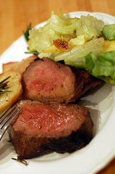 Miért van az Magyarországon, hogy ha kérek egy kiló húst, akkor biztosan legalább húsz dekával több? Szerencsére arról a rossz szövegről már... Food, Deco, Essen, Meals, Yemek, Eten