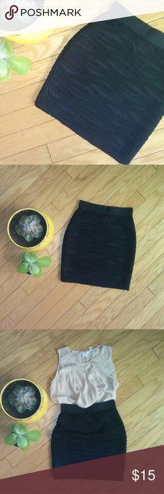 Forever21 skirt. Stretch. Sz medium Forever21 skirt. Stretch. Sz medium  Color: black Forever 21 Skirts
