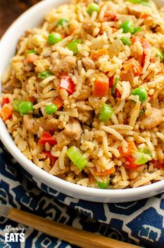 Better than takeout low syn Chicken Fried Rice satisfy your cravings with this ready in less than 20 minutes dish dairy free gluten free Slimming World and Weight Watch. Slimming World Chicken Fried Rice, Slimming World Chicken Recipes, Cooked Shrimp Recipes, Cooking Recipes, Healthy Recipes, Ramen Recipes, Salad Recipes, Recipies, Chicken Rice