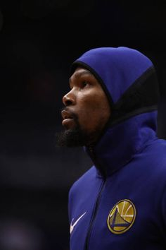 Kevin Durant of the Golden State Warriors warms up before the NBA game against the Phoenix Suns at Talking Stick Resort Arena on April 8 2018 in...