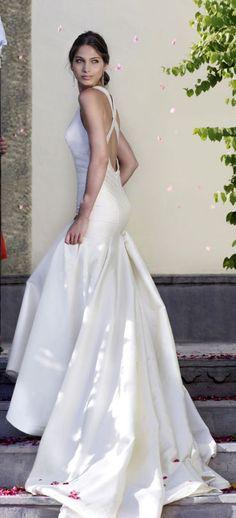 Amanda Wakeley Rajasthan Lookbook Wedding Dress @ http://bridal.amandawakeley.com/rahjastan.html