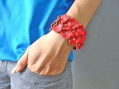 Jewelry bangle leather bracelet buckle by braceletbanglecase, $8.00