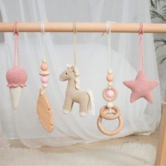 Horse Baby Gym / Playing Gym Toys - Tan and Blush. - Horse Baby Gym / Play Gym Toys Tan and Blush. Baby Play, Baby Toys, Toddler Toys, Regalo Baby Shower, Wooden Feather, Feather Mobile, Wooden Rabbit, Diy Bebe, Baby Mobile