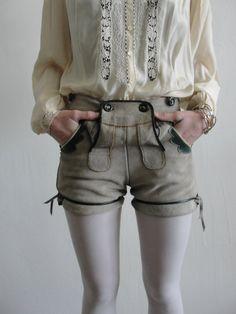 Later, Hosen ... Vintage Lederhosen Suede Hot Pants