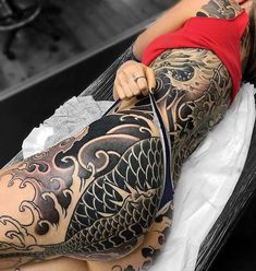 Black and white cool tattoos tattoos, japanese tattoo art, s Unique Tattoos For Men, Tattoos For Women, Tattoos For Guys, Hot Tattoos, Trendy Tattoos, Body Art Tattoos, Tattoos Pics, Tattoo Girls, Girl Tattoos