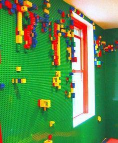 Idéia super criativa para um quarto ou um ambiente infantil. Legos colados na parede. Lindo e divertido!  _____________________ #instagood #ArchDaily #architecture #lego #legoland #design #dica #decor #details #childrendesign #childrendecor #instainpo #instagood #instaarch #inspiration #inspired #homeideas #homedecor #legostagram #designseek #casasluxuosas #arquitectura #jessicacamposarquiteturaeinteriores by jessicacampos.arq