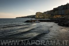 Napoli - Palazzo Donn'Anna e Posillipo - Naporama - Foto di Napoli