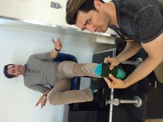 @mrsilverscott and I had a bet to see who would win season 2 of #BroVsBro....the loser had to rub the winner's feet =)