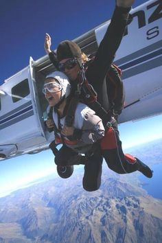 Twitter / PerformWilde: @Pure New Zealand here's myself  skydiving over Queenstown...