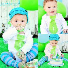 He encontrado este interesante anuncio de Etsy en https://www.etsy.com/es/listing/75022558/baby-boy-cake-smash-1-personalized-tie