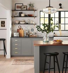 Kitchen Inspirations, Design suggestions for kitchens, kitchen layout, farmhouse kitchen inspirationatingations, dining room Modern Farmhouse Kitchens, Black Kitchens, Cool Kitchens, Small Kitchens, Dream Kitchens, Kitchen Modern, Farmhouse Sinks, Minimal Kitchen, Beautiful Kitchens