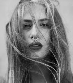 Photo: Kasia Lorenc-Lusa Fotografia Model: Patrycja Biedrzycka Makeup: Joanna Manicka Make Up Artist www.joannamanicka.pl foto-team.pl warsztaty fotografii artystycznej z grid-art.pl workshops