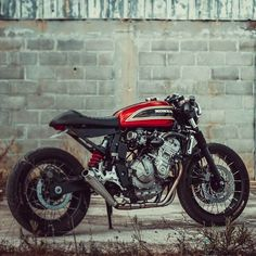 A garage for special motorcycles and cafe racers Cafe Racer Honda, Cafe Bike, Cafe Racer Bikes, Cafe Racer Motorcycle, Cafe Racers, Cafe Racer Style, Custom Cafe Racer, Honda Bikes, Honda Bobber