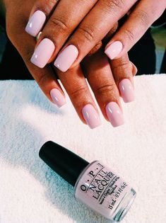 On average, the finger nails grow from 3 to millimeters per month. If it is difficult to change their growth rate, however, it is possible to cheat on their appearance and length through false nails. Nail Design Spring, Opi Nail Colors, Cute Acrylic Nails, Opi Nails, Gel Manicure, Nagel Gel, Nail Inspo, Nails Inspiration, Beauty Nails