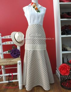 faldas flamencas para el camino Classy Outfits, Cool Outfits, Fashion Outfits, Cowgirl Style Outfits, Anniversary Dress, Cruise Fashion, Culottes, Summer Dresses, Formal Dresses