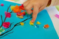 Lavoretti per la primavera per bambini - Disegno con carta crespa
