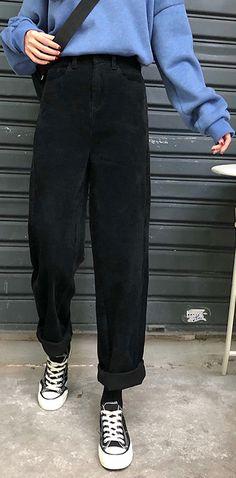 Winter black wild trousers corduroy casual wide leg pants - Source by cillechazal - Loose Pants Outfit, Black Pants Outfit, Jeans Outfit Winter, Sweatpants Outfit, Black Trousers Outfit Casual, Trouser Outfits, Outfit Summer, Winter Outfits, Best Pants For Men