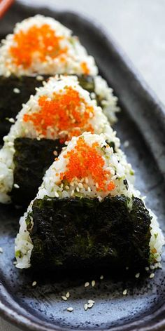 Onigiri - easy and delicious Japanese rice balls shaped in triangles and wrapped with seaweed, topped with fish roe. The best onigiri recipe! Japanese Rice, Japanese Sushi, Rice Balls, Hash Tag, Grain Foods, Balls Recipe, No Cook Meals, Family Meals, Mexican Food Recipes