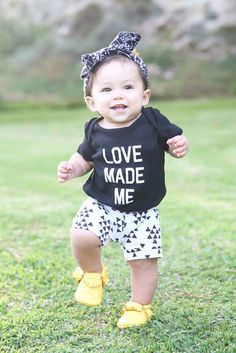 The shirt  it the shorts Black Triangle Arrows Knit Baby Shorts Girl Boy door SweetLucyJack, $12.00
