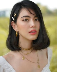 Image may contain: one or more people and closeup Hair Inspo, Hair Inspiration, Buzz Haircut, Short Dark Hair, Look Girl, Modern Haircuts, Natural Makeup Looks, Trending Hairstyles, Hair Trends