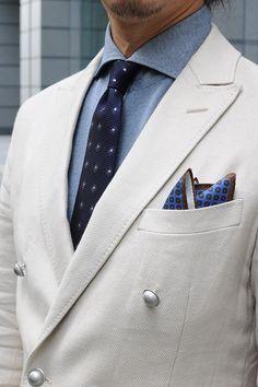 #shirtstyle #shirts #shirtshop #fashionblogger #Menswear #mensfashion #mensstyle  #menswear #dapper #instafashion #gentlemenstyle #fashionformen #cutaway #doublebreasted #jacke #tie #frescotie #PocketSquare #sunglasses #ワイシャツ #ネクタイ #ポケットチーフ #メンズファッション #ニットシャツ #クールビズ #レイバン #oziejp #rayban #sunglasses