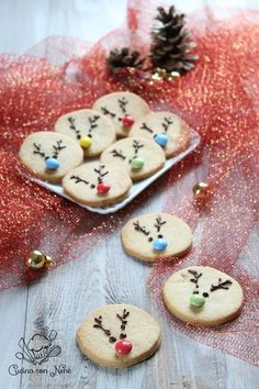 christmas food detail are readily available on our internet site. Christmas Cooking, Christmas Desserts, Xmas Cookies, Gingerbread Cookies, Pasta Casera, Christmas Biscuits, Winter Treats, Cookie Icing, Food Obsession