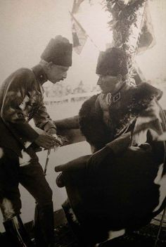 ✿ ❤ Atatürk ve İnönü Ottoman Turks, Republic Of Turkey, Turkish Army, The Turk, Orient Express, Great Leaders, World Peace, Ottoman Empire, Historical Pictures