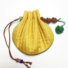 Korean Traditional, Traditional Outfits, Korean Bags, Boho Bags, Branded Bags, Hand Embroidery, Bucket Bag, Sewing Crafts, Sewing Patterns