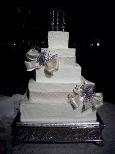 Wedding Cakes - Free Design Wedding Cakes Photos on WeddingWire